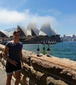 Ich war für 2 Jahre in Australien. Ein Kumpel hat mich besucht und mir 2 Uris mitgebracht. Die geilste Zeit meines Lebens. Sydney/Australien. - Virginia