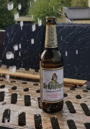 """Kann man auch bei Regen genießen, getreu dem Motto """"es gibt kein schlechtes Wetter"""". Ein Uri geht immer!!! Auf dem Gerüst, bei einem kräftigen Regenschauer in Callenberg OT Reichenbach. - Enrico"""